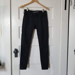 Universal Thread Black Mid Rise Skinny Jeans